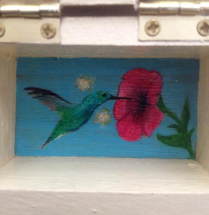 fairy.box.hummingbird