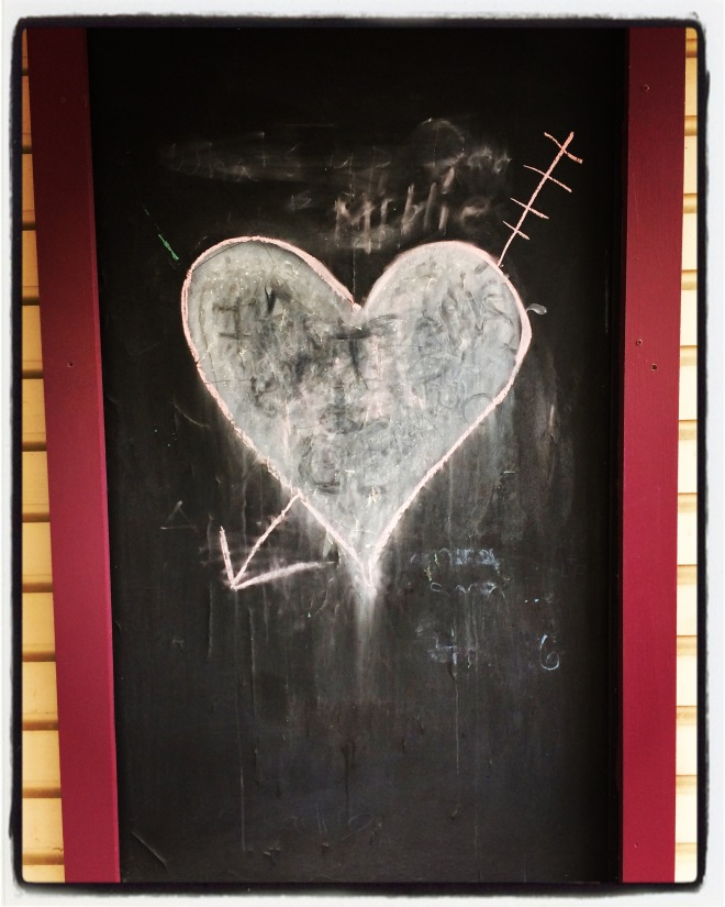 DATING.heart.chalk