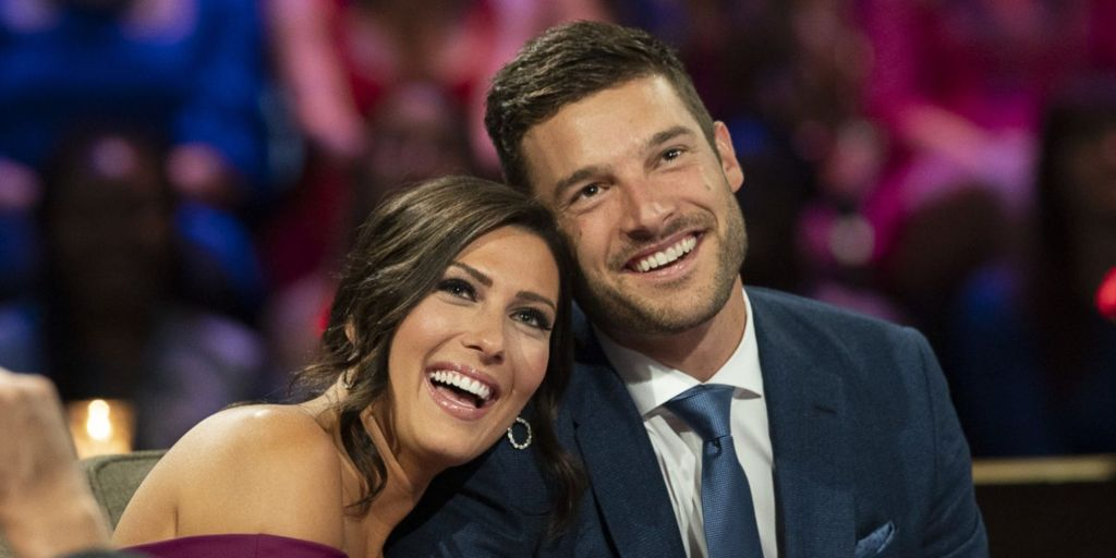 Becca Kufrin and Garrett Yrigoyen from Season 14 of The Bachelorette ended their engagement.